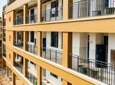 中学小卖部租赁被拍出320万天价
