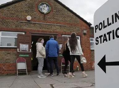 英国:举行地方议会选举