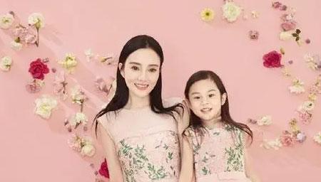 李小璐8岁女儿上形体课