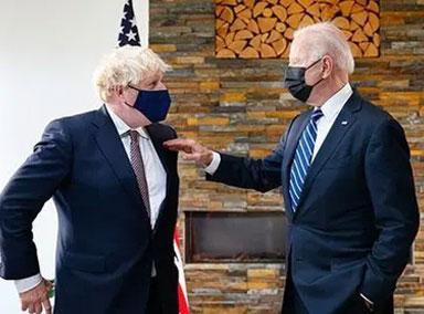 拜登与约翰逊昨天首次面对面会谈